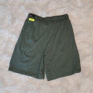 NWT NIKE Standard Fit Green Shorts